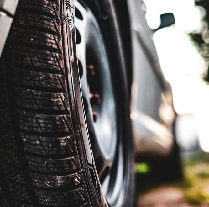 Låt en däckverkstad ta hand om dina däck